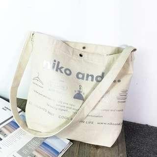 日系 niko and 銀色字母 帆布袋 側咩袋 去街袋