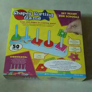 Shapes sorting game