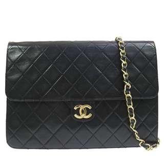 Chanel Vintage Quilted Shoulder Bag in size Medium