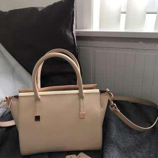 DISCONTINUED ** Auth Ted Baker Tabatha Side Bag