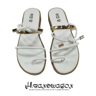 【H.BANDWAGON】韓版扭結皮繩金屬圓環造型大拇指夾腳平底拖鞋 涼鞋