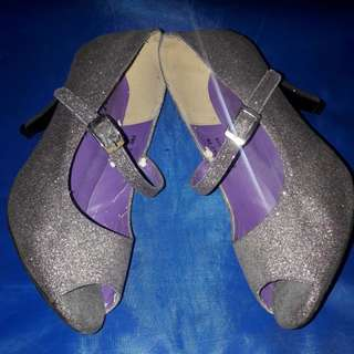 Glittery Pumps (size 6)