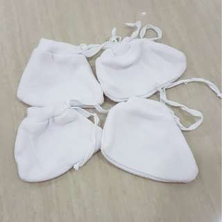 2 pairs Thick Quality Newborn Baby Booties