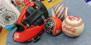 可樂精品(迷理棒球手套20cm + 3個棒球)
