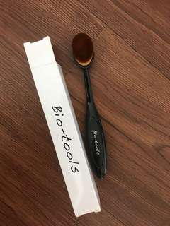 Bio-tools brush