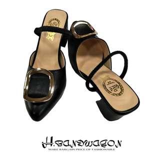 【H.BANDWAGON】時尚金屬方環釦彈性帶尖頭中跟拖鞋 涼鞋