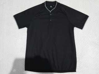 UNIQLO Tshirt
