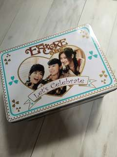 S.H.E limited edition egg roll tin