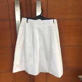 White skirt / rok