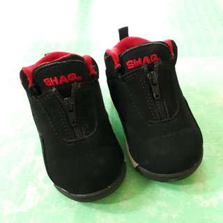 Pre loved Shaq rubber shoes