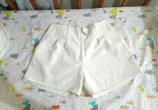🚚 白色雪紡短褲 有口袋 金屬拉鏈 #畢業一百元出清