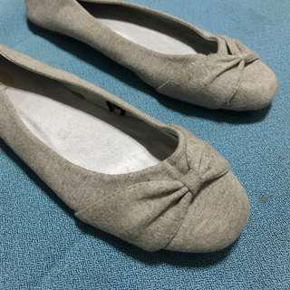 Gray comfy dollshoes