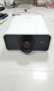 Sanyo XP100L projector (inc wide angles lense)