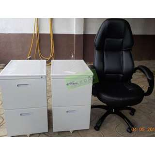 EXECUTIVE CHAIRS AND 2 DOOR MOBILE PEDESTAL CABINET--KHOMI