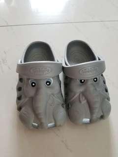 美國品牌 Polliwalks 大象造型膠拖鞋