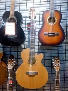 Kredit gitar Akustik Takamine Hanya Bayar Admin Rp. 200 Ribu Saja