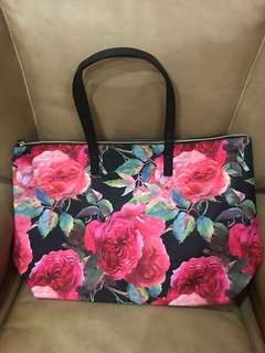 Floral overnight bag