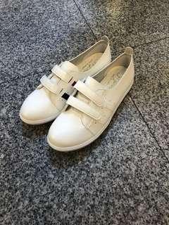 🚚 #女款平底包鞋👉👉2色 👍超級無敵好穿 👍內裡超軟台灣製造 23.23/.24.24/.25 $390