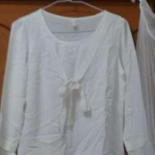 全新 白上衣 M號