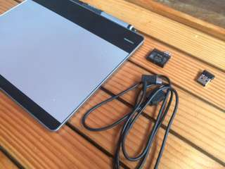 For Sale - Wacom CTH-480 Pen and Tablet