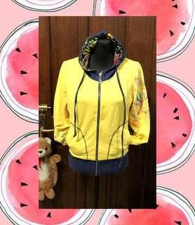 Hoody yellow jacket