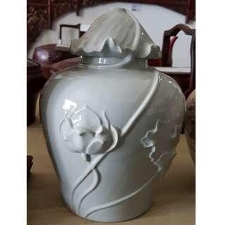 Decorative Vase (D-MOI-05)