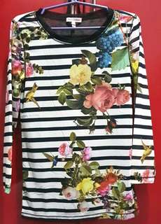 Juicy couture floral blouse