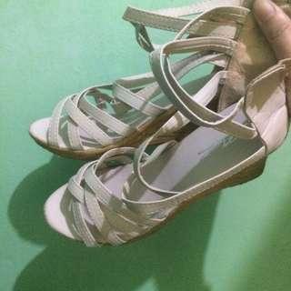 Sandals wedge cream