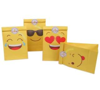 Emoji favor & candy bags! Best for kids parties & adult events!