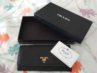 💯 Authentic Black Saffiano Prada Long Wallet