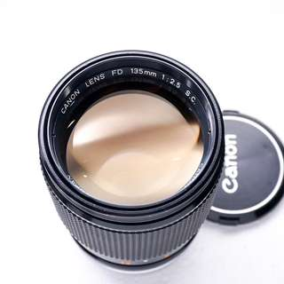 Canon 135mm F2.5 FD manual focus lens