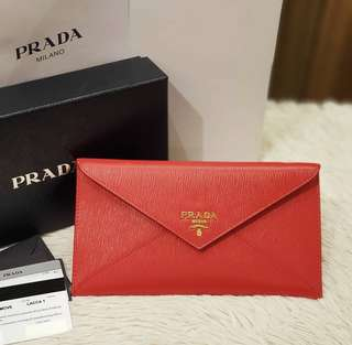 BRAND NEW PRADA 1MF175 VITELLO MOVE ENVELOPE WALLET ❤️BIG SALE P18,800 ONLY❤️ With box dustcloth cards and paperbag Swipe for detailed pics