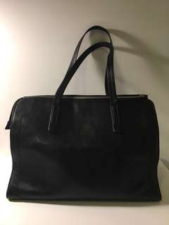 VERY GOOD QUALITY Black Leather Bag