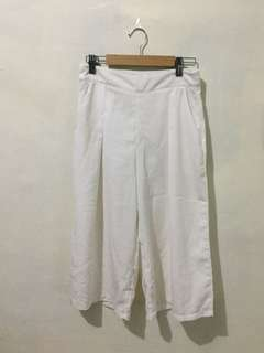 Knee length square pants