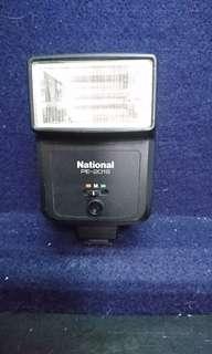 🚚 National. PE-201s相機閃光燈
