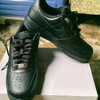 Nike Air Force 1 Triple Black Low Cut