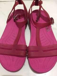 Orig crocs pink sandals