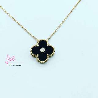 Van Cleef and Arpels Yellow Gold Necklace with Onyx