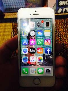 For Sale: Iphone 5s -SmartLocked-16GB