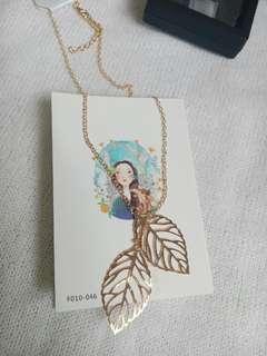 Sale! Leaves Golden Tone Necklace