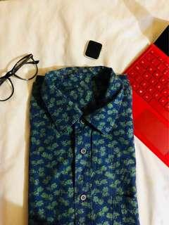 Small pineapple prints blue button down shirt / polo