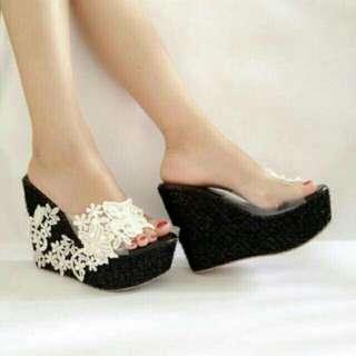 Sandal Wedges Cantik 10090