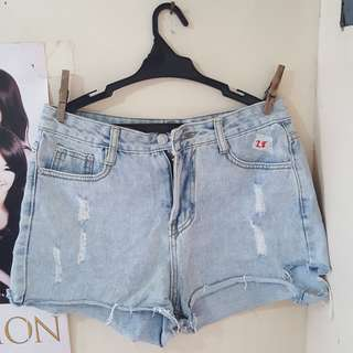 Pre loved size 28 high waist shorts