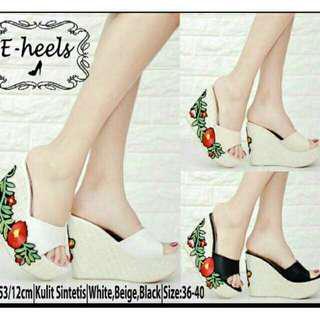 Sandal Wedges Cantik 111080