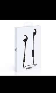 Audio wireless sports earpiece