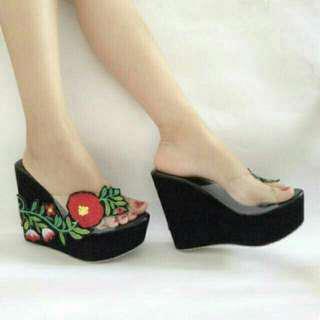 Sandal Wedges Cantik 11052
