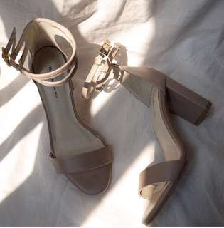Mercci22 雙細帶繞踝高跟鞋 裸杏色