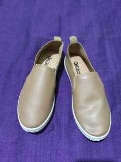 Kicks beige slip ons shoes