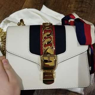 Gucci Sylvie 白色