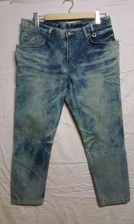 🚚 牛仔褲 韓國製造 200含運便宜釋出 有點色差 不是髒污 大約9成新